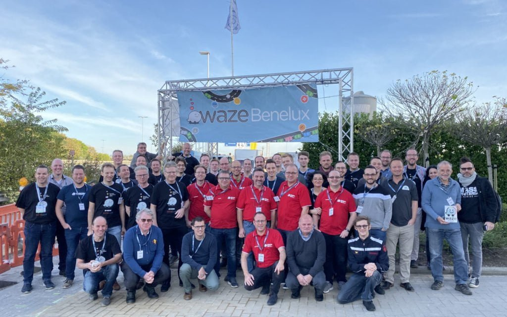 Group picture of all people present at the Waze Benelux Meetup near Brussels in 2019, including the Waze Belgium Community volunteers